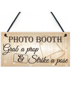 Photo Booth Prop & Pose Cute Hanging Wedding Day Sign Plaque